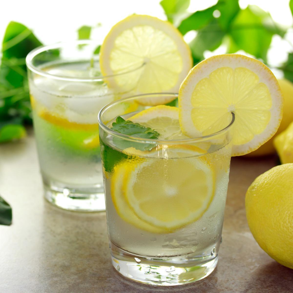 10-benefits-of-drinking-lemon-water11 6KT9s0